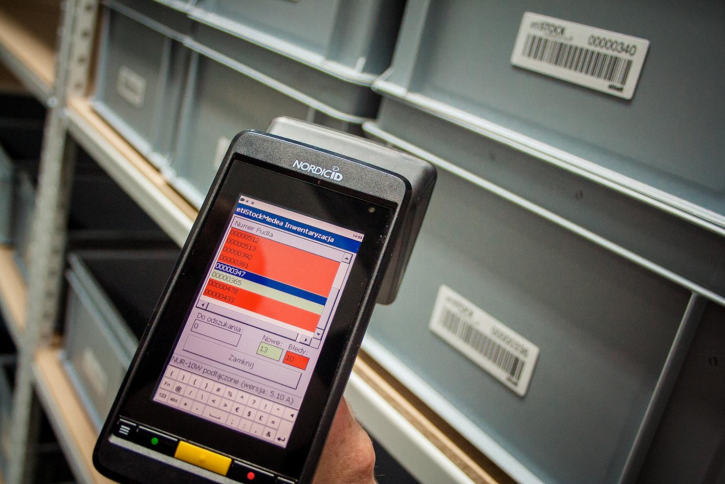Oznaczenia skrzynek wielokrotnego użytku z wykorzystaniem technologii RFID