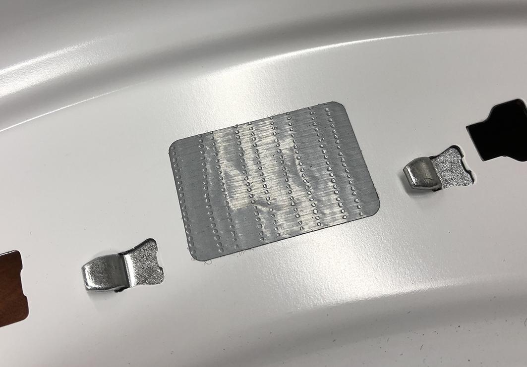kółeczka z taśmy duct do maskowania otworów