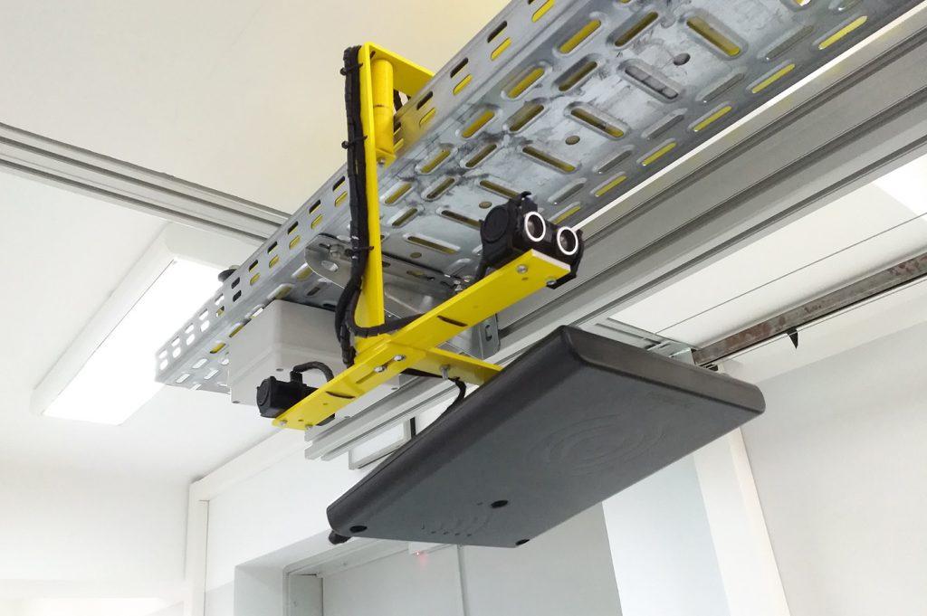 Roboty mobilne AGV IntraBot Rail RF