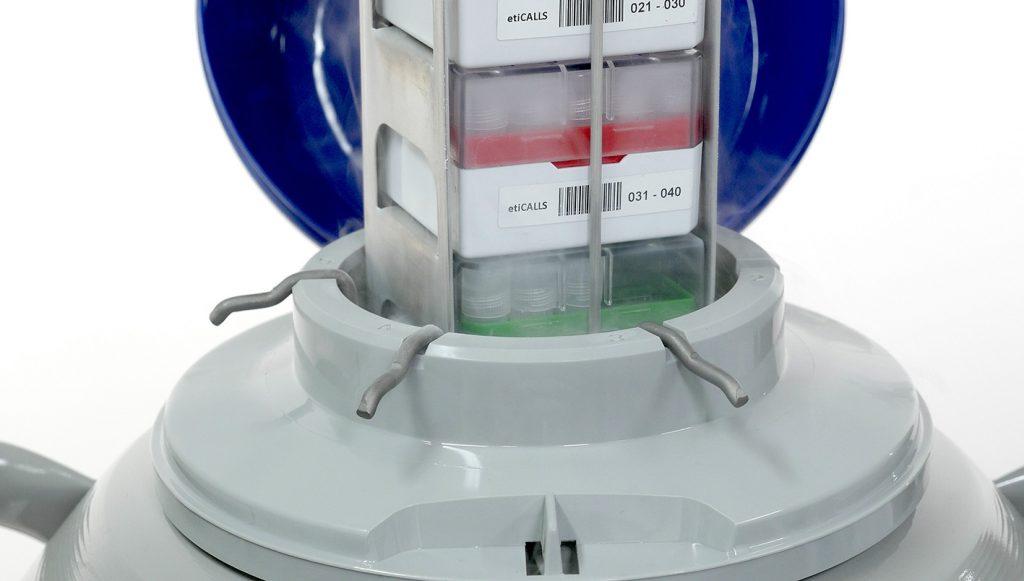 oznaczenia akcesoriów metalowych wykorzystywanych w laboratoriach